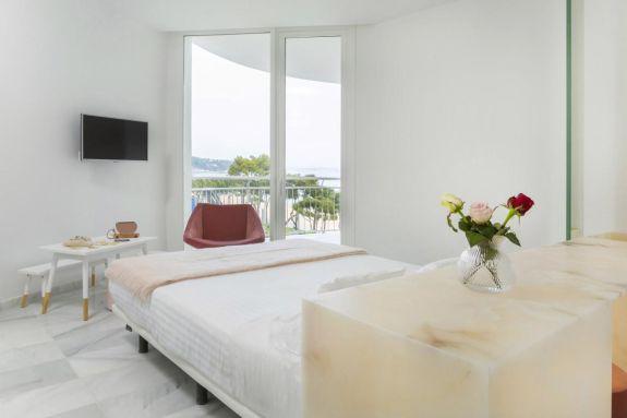 Hotel Aromar: habitacions modernes, de disseny i amb espectaculars vistes