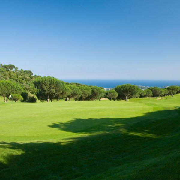 Juga a Golf a la Costa Brava
